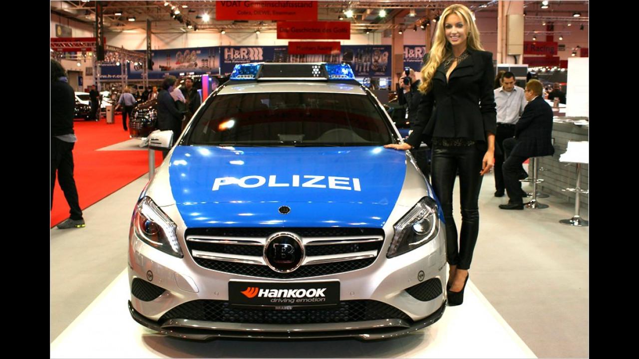 Schärfer, als die Polizei erlaubt? Rosanna Davison mit dem aktuellen Tune! It! Safe! Kampagnenfahrzeug