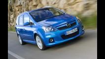 Opel celebra aniversário de 15 anos da divisão esportiva OPC - veja galeria