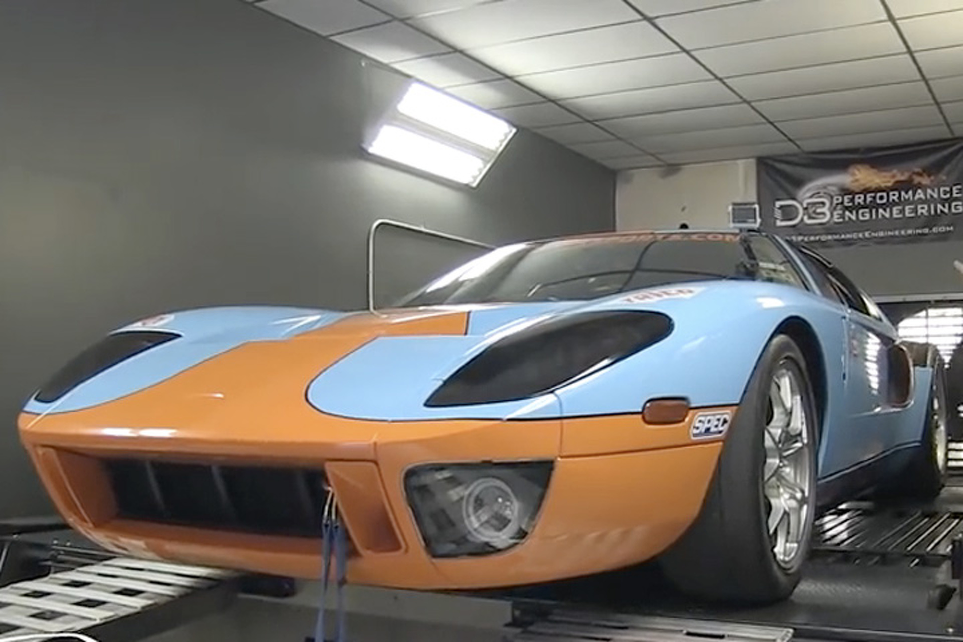 Watch a Twin-Turbo Ford GT Put Down 1,894HP on the Dyno
