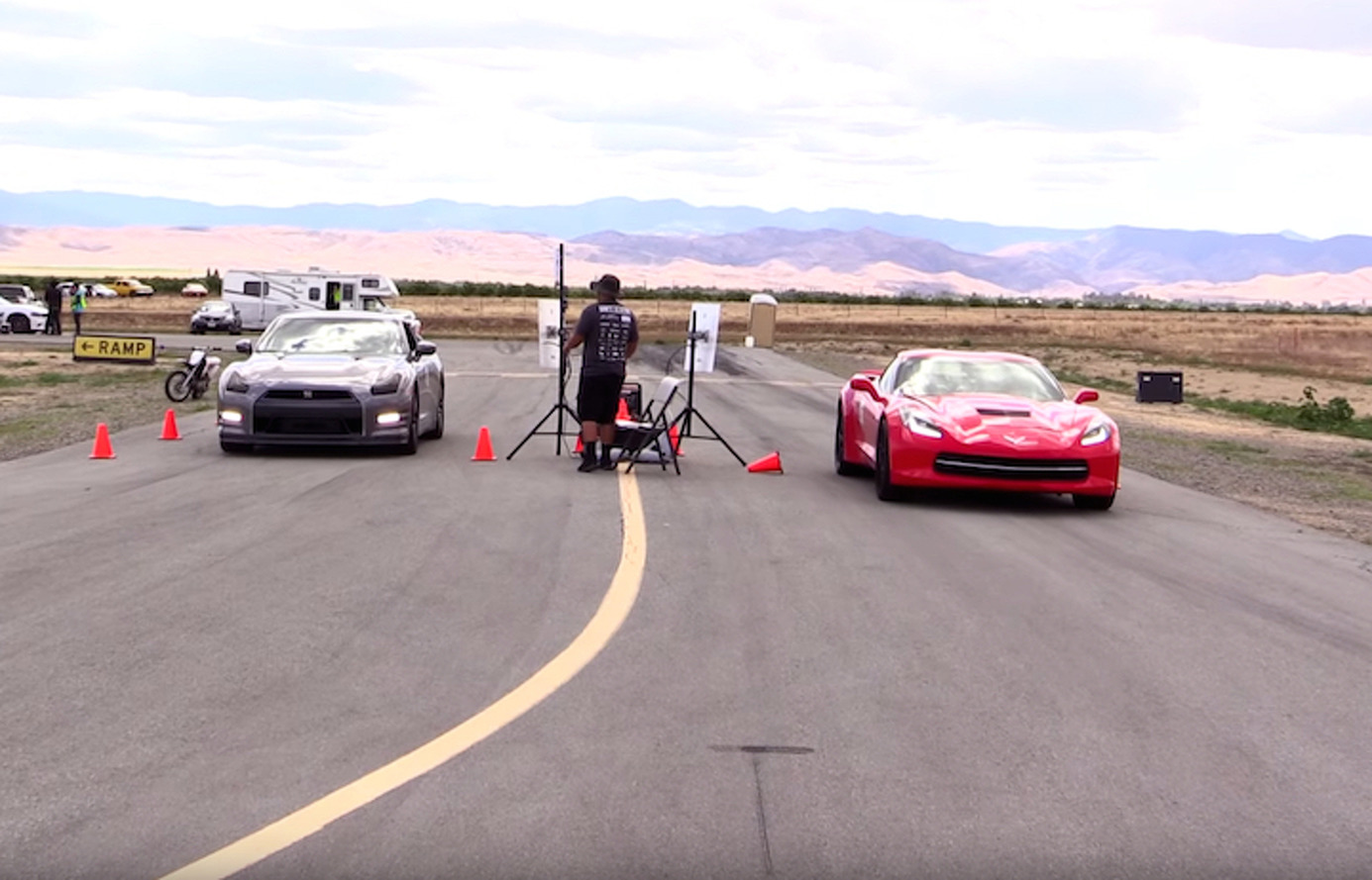 Watch a Nitrous-Wielding Corvette Stingray Chase Down a Nissan GT-R