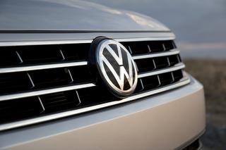 2016 Volkswagen Passat Big on Technology, Lacks Charisma: First Drive