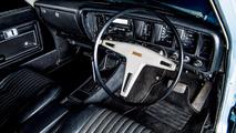 1972-toyota-crown-interior
