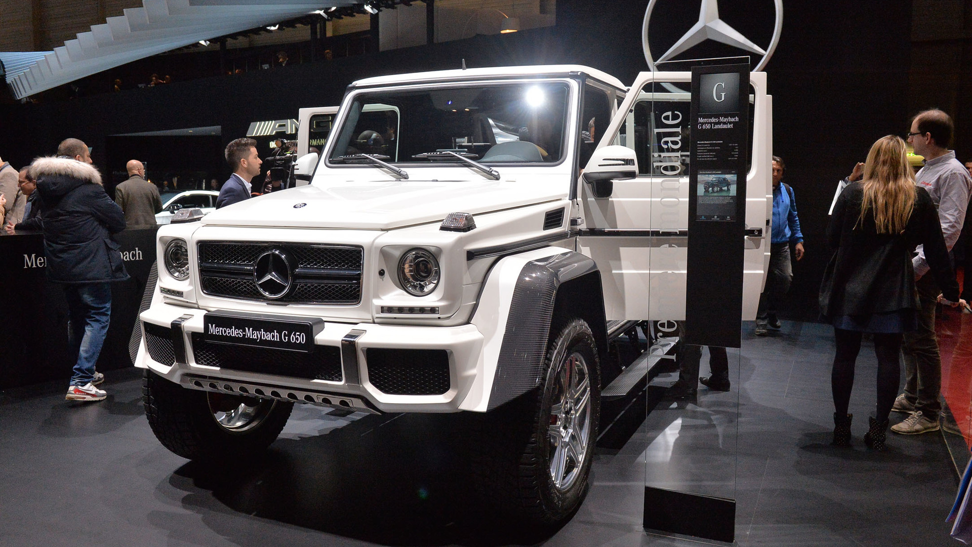 Mercedes maybach g650 landaulet is an ostentatious g class for Mercedes benz maybach g650