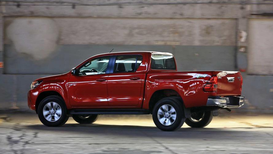 Toyota Hilux e SW4 são convocados no Brasil por falha nos airbags