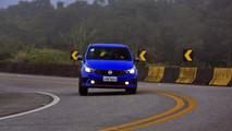 Fiat Argo HGT MT vs. Renault Sandero R.S. Racing Spirit