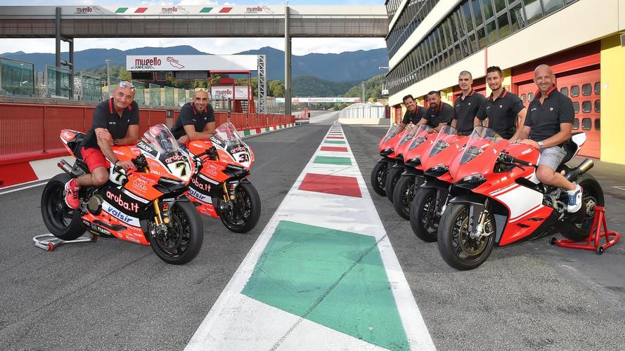 Ducati premia a sus clientes con una prueba de la moto del WorldSBK