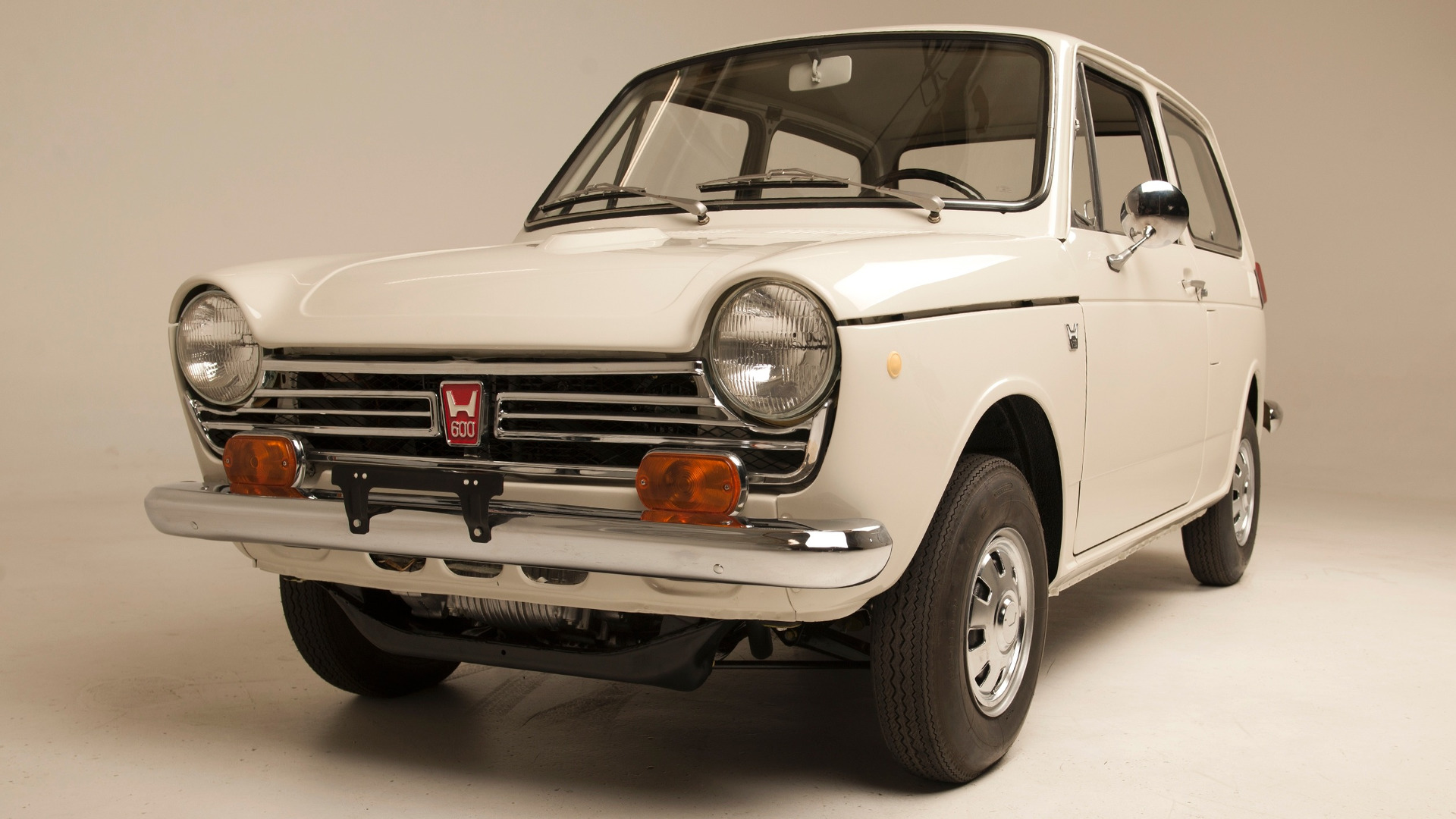 the first honda imported to america has been fully restored. Black Bedroom Furniture Sets. Home Design Ideas