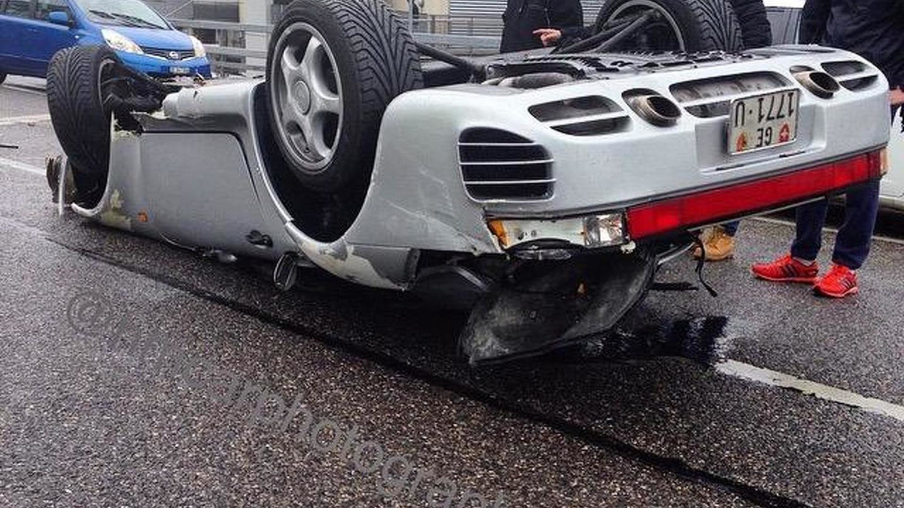 Porsche 959 crash in Geneva