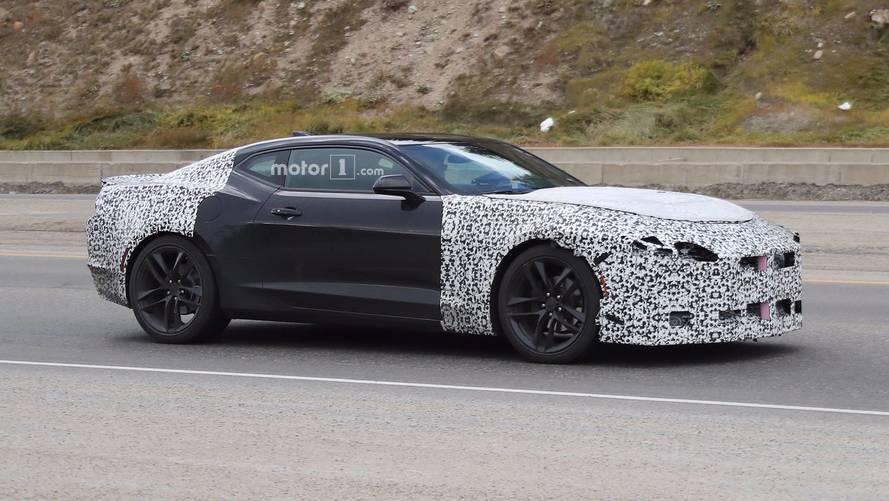 2019 Chevrolet Camaro kamuflajı azaltmış