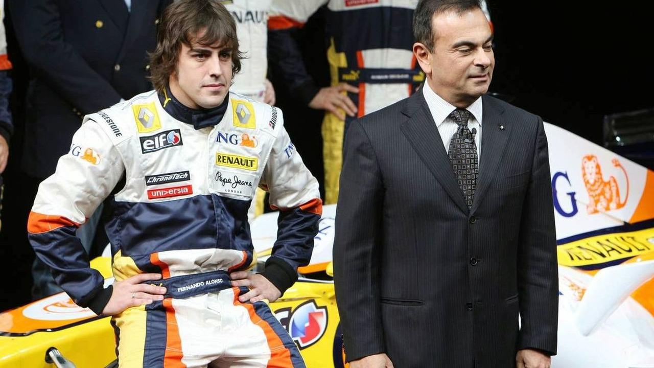 Fernando Alonso (ESP), Carlos Ghosn (FRA), Renault R28 launch, Paris, France, 31.01.2008