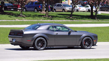Dodge Challenger SRT Hellcat casus fotoğrafları
