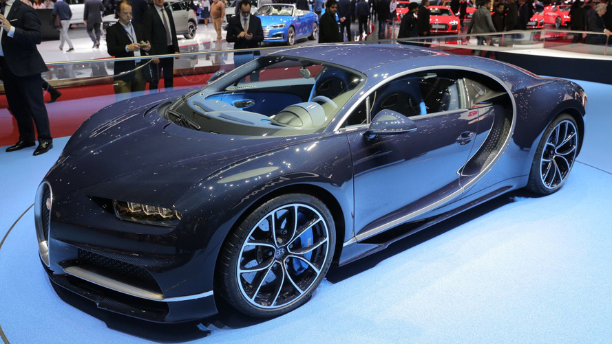 gen ve 2017 la vie en bleu pour la bugatti chiron. Black Bedroom Furniture Sets. Home Design Ideas