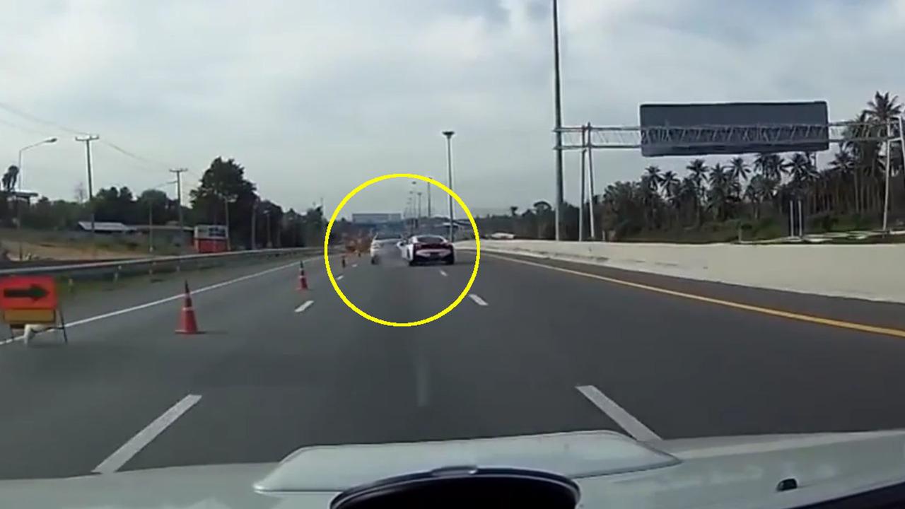 BMW i8 and Mercedes crash