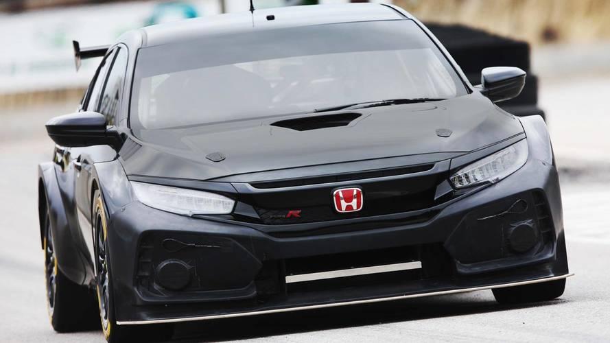 New Honda Civic Type R Race Car Breaks Cover in Testing For BTCC