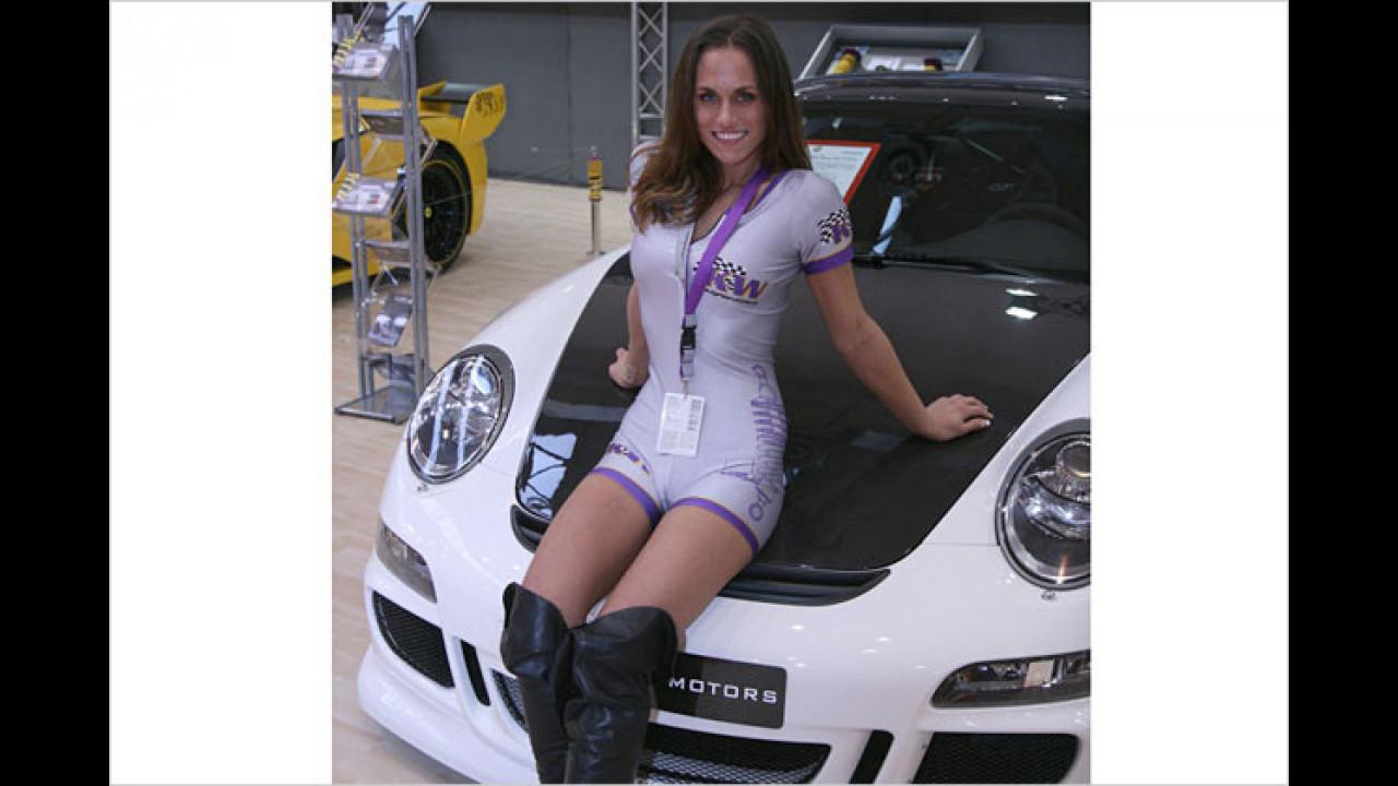 Vielleicht ging der Kofferraum des Porsche auch nicht mehr von allein zu, weil er zu voll ist?