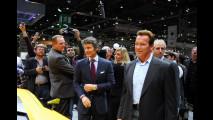 Arnold Schwarzenegger allo stand Lamborghini al Salone di Ginevra 2009