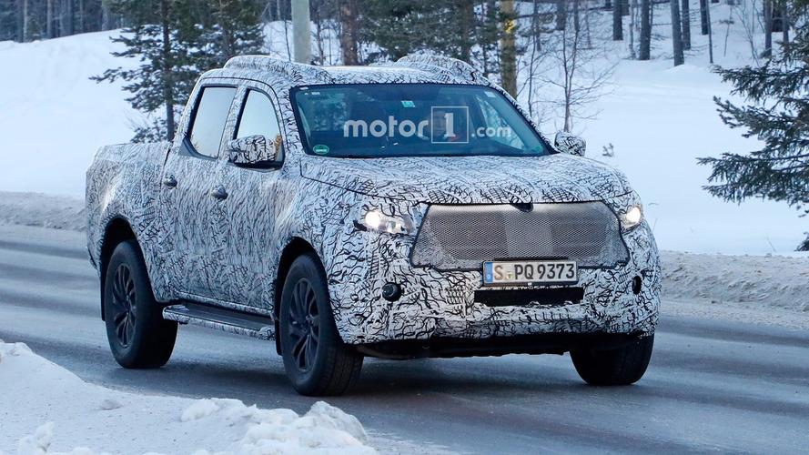 Flagra! - Mercedes-Benz Classe X roda em testes na neve
