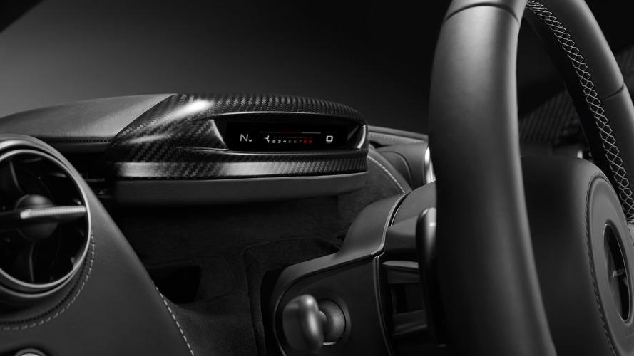 McLaren 720S, katlanır gösterge paneliyle adeta bir Transformers