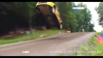 VÍDEO: Piloto russo do rally WRC literalmente levanta voo com seu Citröen C4 na Finlândia