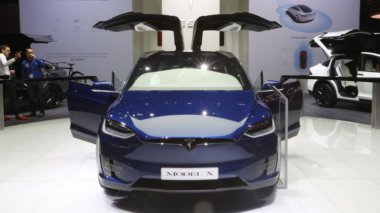 2016 Tesla Model X Paris Motor Show
