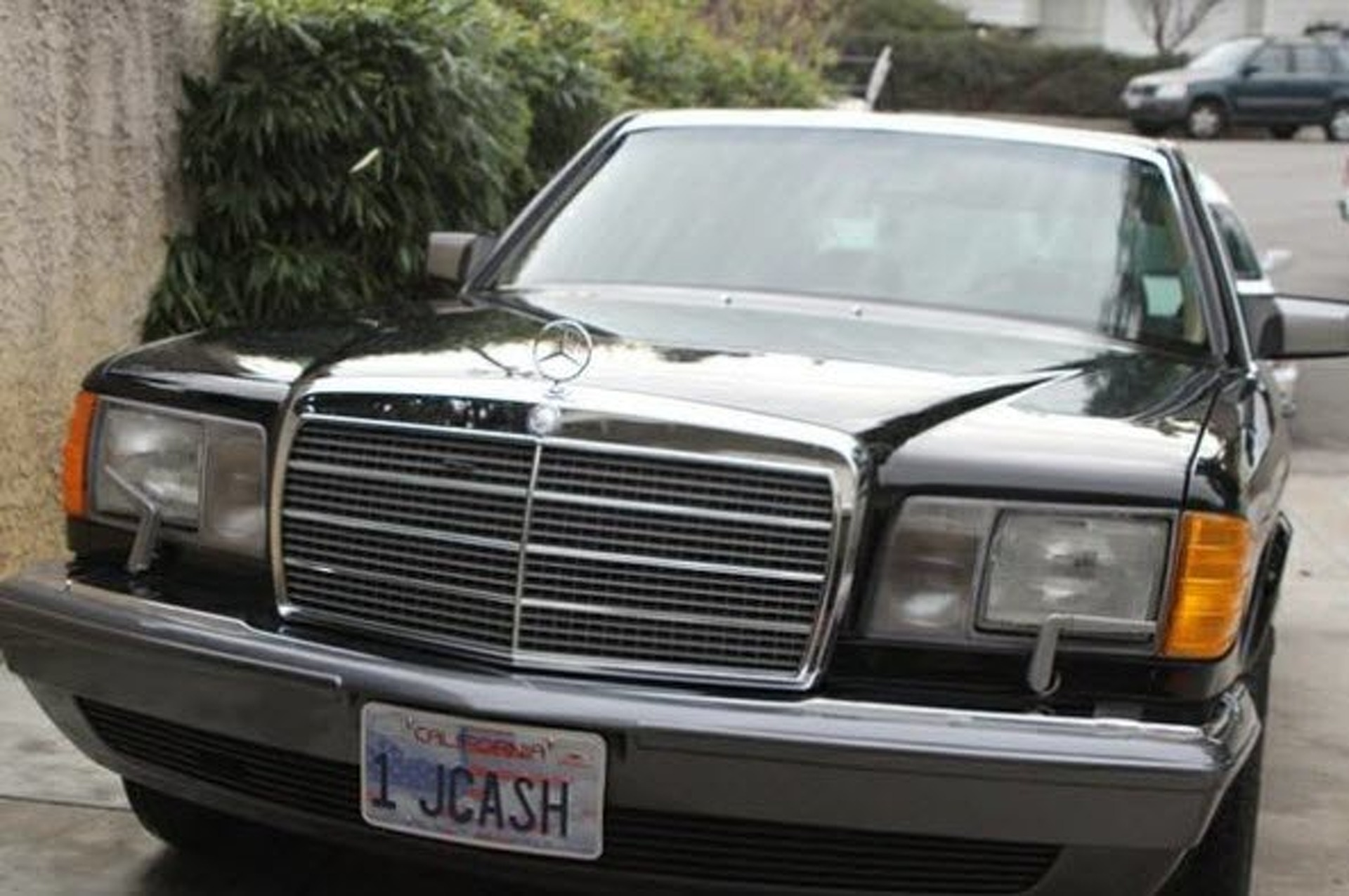 Ein Stück at a Time: Johnny Cash's Mercedes-Benz 560SEL is For Sale