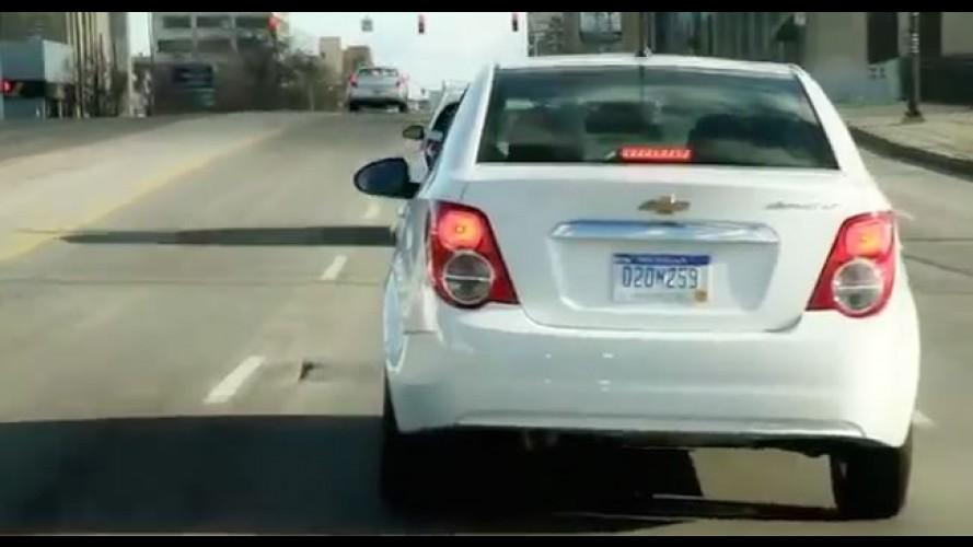 VÍDEO: Nosso teste do Chevrolet Sonic em Detroit