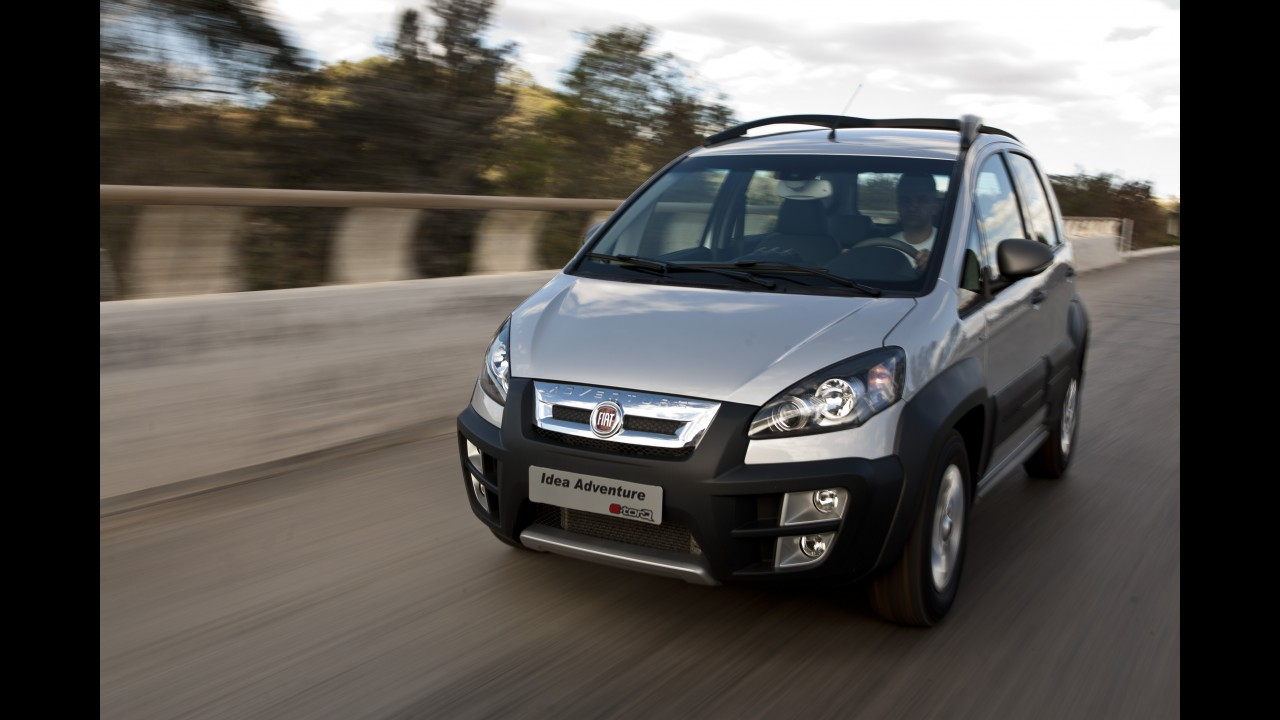 Fiat passa a oferecer novo câmbio Dualogic Plus para Idea Essence e Adventure