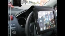 """Vício perigoso: californianos """"inventam"""" novo jeito de usar tablets"""