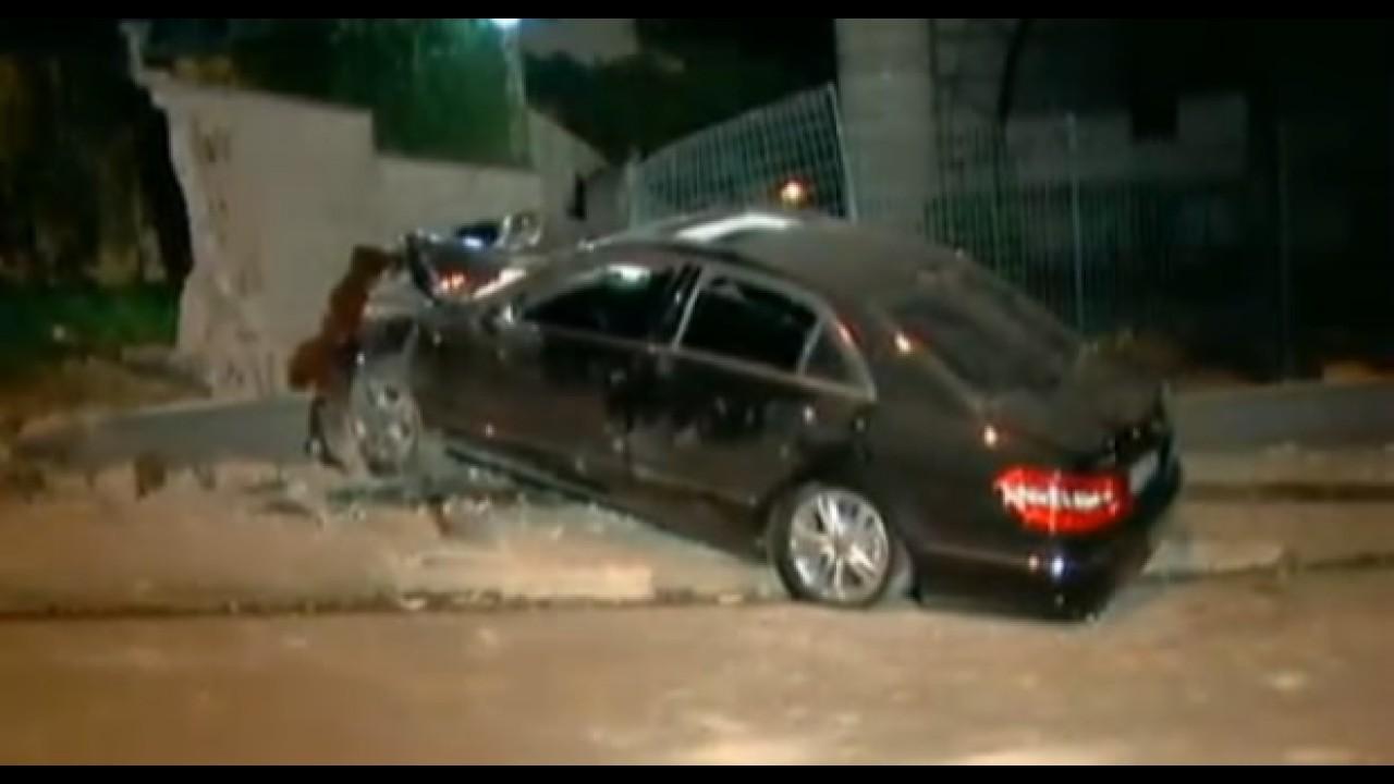 Perda Total: Vendedor destrói Mercedes Classe E 2010 em São Paulo - Modelo custa R$ 450 mil