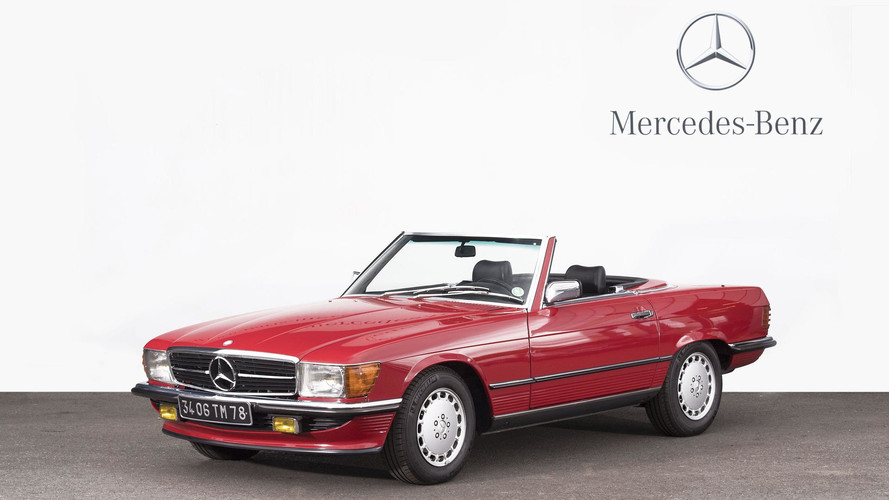 une 300 sl papillon la vente artcurial mercedes. Black Bedroom Furniture Sets. Home Design Ideas