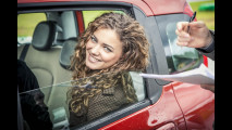 OmniAuto.it School Guida Sicura con Miss Italia 2012 e Fiat Panda