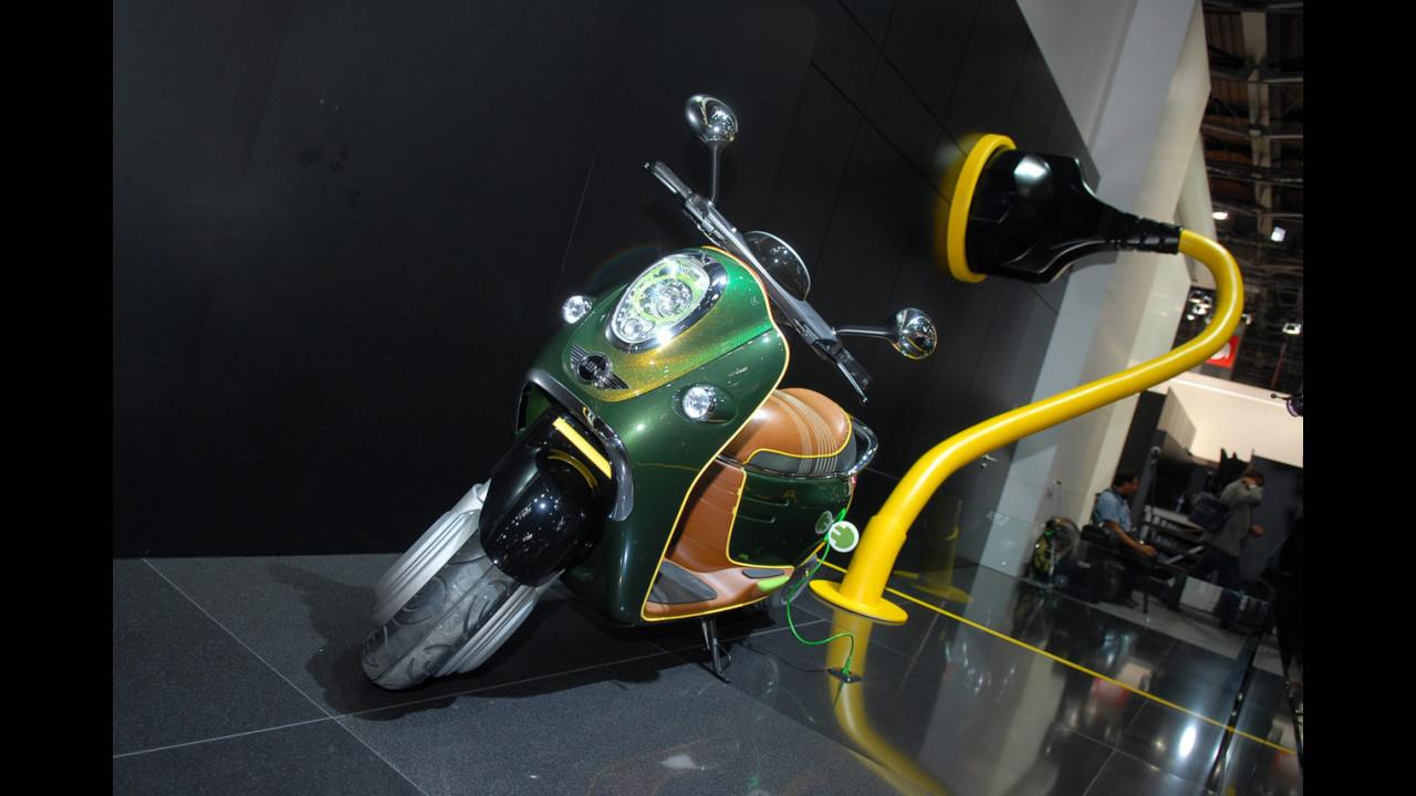 MINI Scooter E Concept al Salone di Parigi 2010