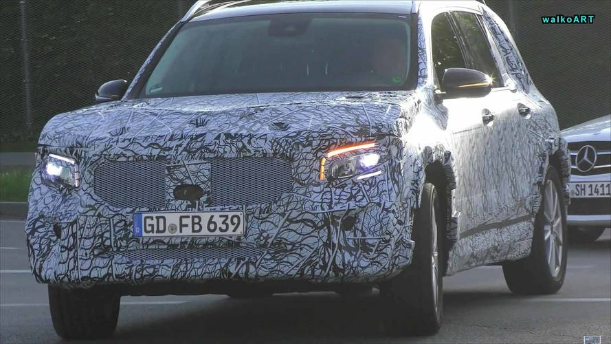 VIDÉO - La Mercedes GLB en cours d'essais sur route