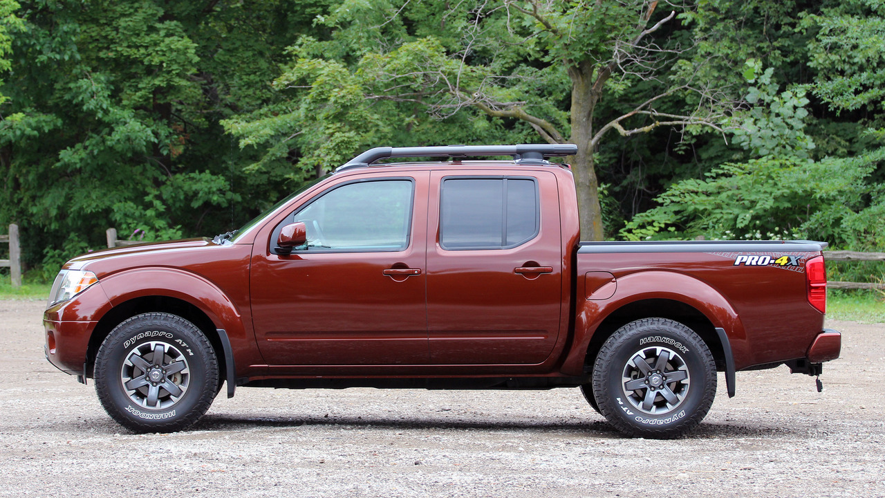 2017 nissan frontier pro 4x review. Black Bedroom Furniture Sets. Home Design Ideas