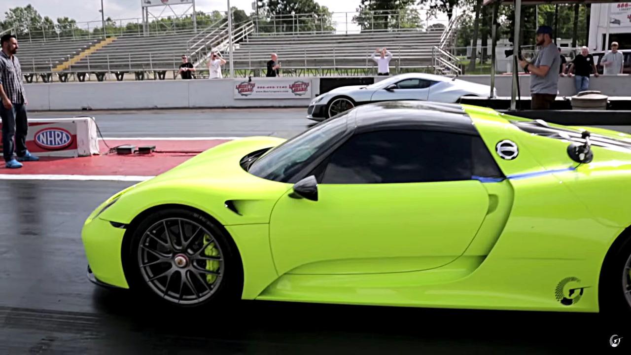 Rimac Concept One races Porsche 911