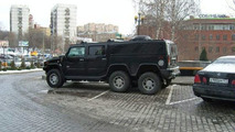 The six-wheeled Hummer: Annoying in any parking lot