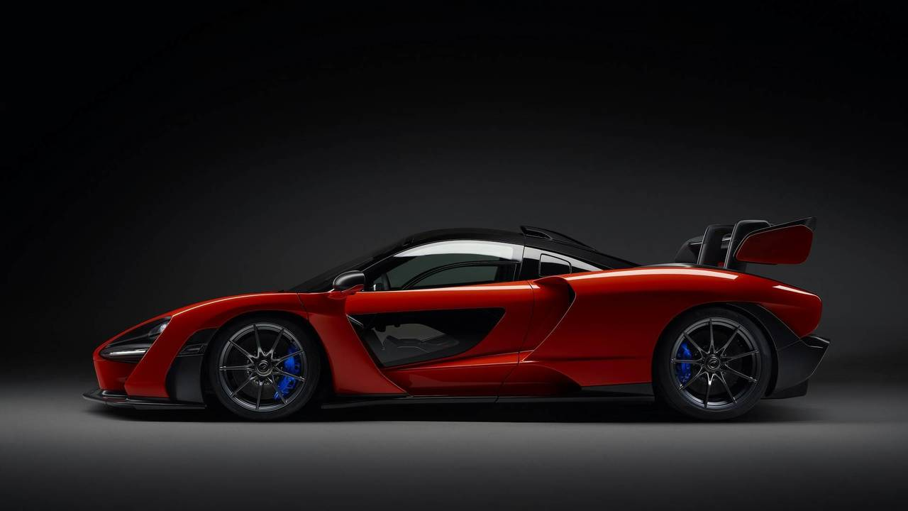 2018 McLaren Senna - Weight