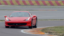 Classic 1965 Shelby Cobra 427 vs Ferrari 458 Italia [video]