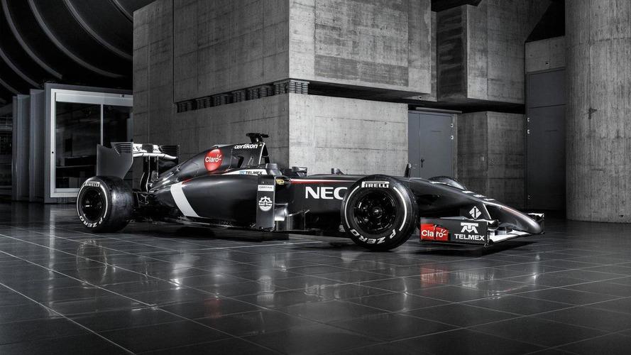 Sauber C33 revealed and Toro Rosso STR9 heard at Misano [audio]