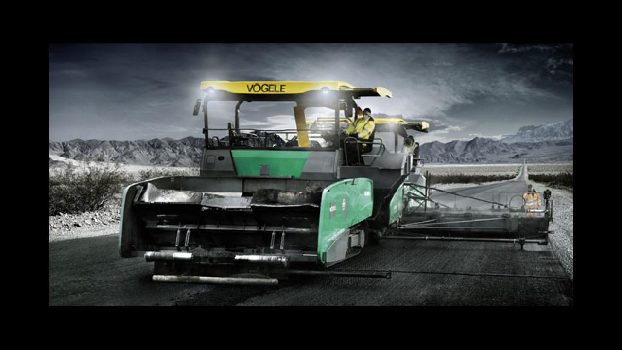 September: Vögele MT 3000-2 Materialbeschicker & Super 3000-2 Straßenfertiger (Death Valley USA)