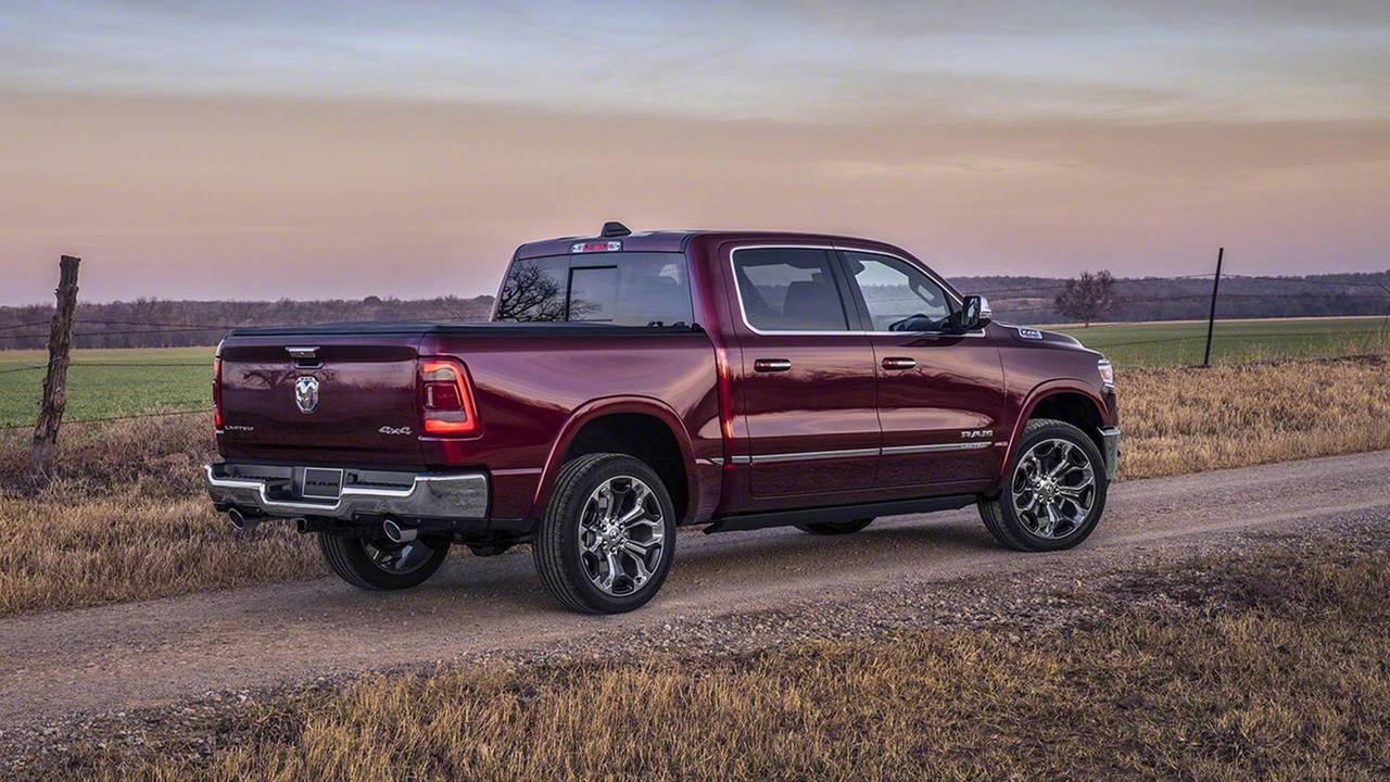 Dodge Aero >> 2019 Ram 1500: See The Changes Side-By-Side