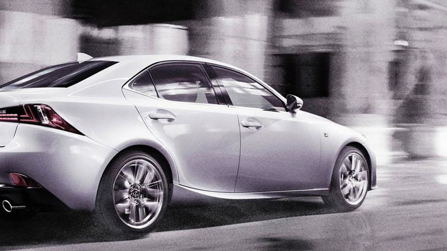 2014 Lexus IS F Sport officially unveiled