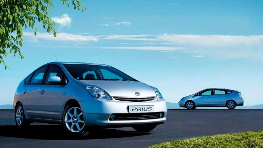 Toyota Hybrids exceed 100,000 European sales