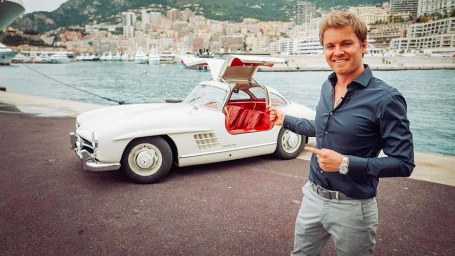 Nico Rosberg se balade dans sa Mercedes 300 SL