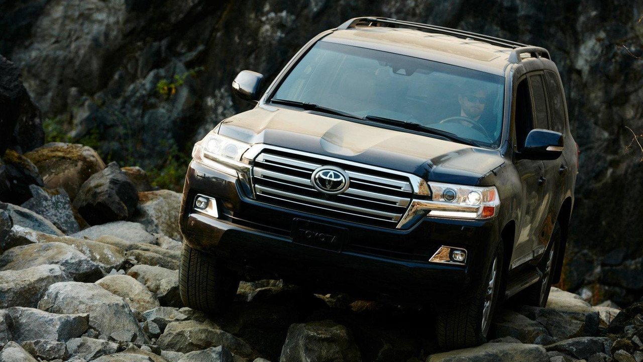 2016 Toyota Land Cruiser (US-spec)