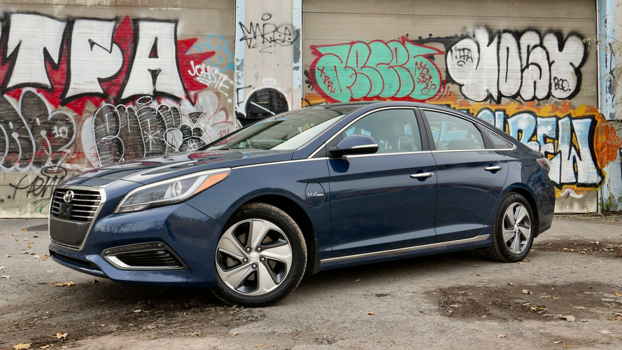 2016 Hyundai Sonata Plug-In Hybrid Review: Elegant, but expensive electrons