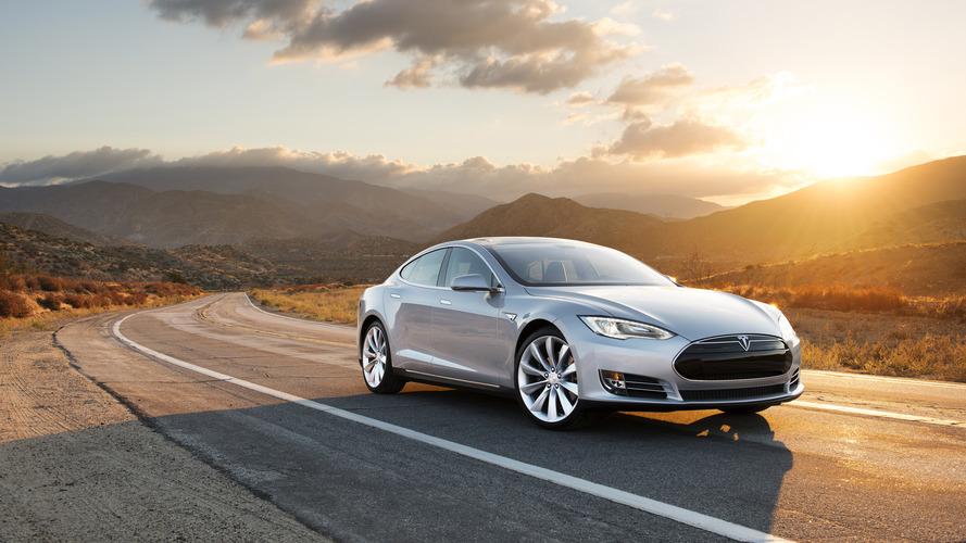 Tesla, Autopilot kazasında otomatik fren sistemini inceliyor