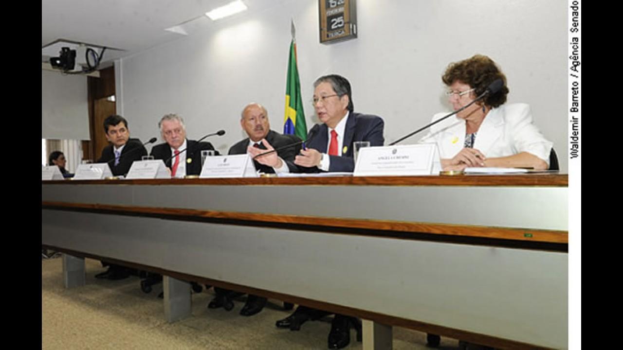 """""""Se não fossem os impostos, Gol poderia custar R$ 20 mil"""", diz presidente da Anfavea"""