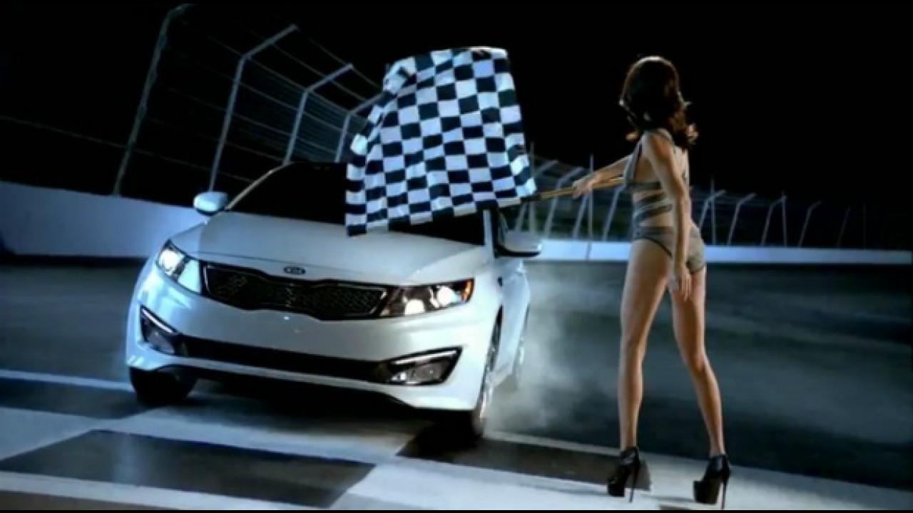 VÍDEOS DO SUPER BOWL: Kia retrata fantasias masculinas em comercial do Optima
