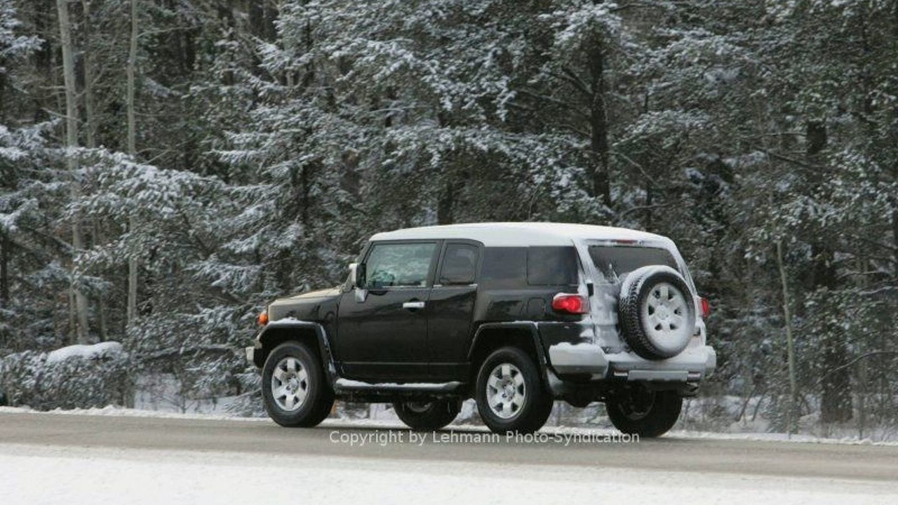 Toyota's New FJ Cruiser Spy Photos